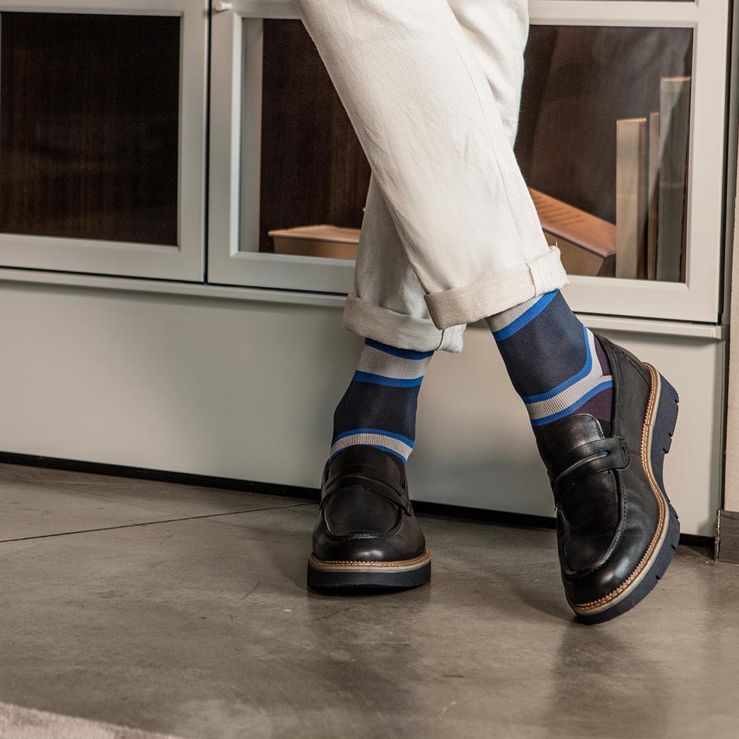 Hues - Knee High sock